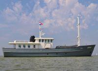 2010 Explorer Expedition Vessel 85