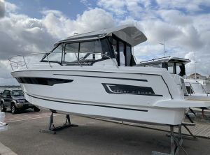 2022 Jeanneau Merry Fisher 895 Offshore