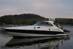 2008 56' Cruisers Yachts-560 Express Gallatin, TN, US