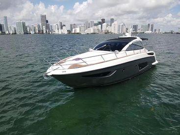 2013 43' Azimut-Atlantis 43 Miami, FL, US