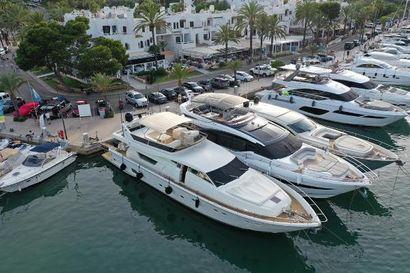 1994 77' 1'' Ferretti Yachts-225 Cala D'or, ES