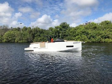 2020 34' De Antonio Yachts-D34 CRUISER Fort Lauderdale, FL, US
