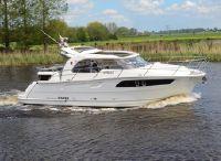 2019 Marex 320 Aft Cabin Cruiser