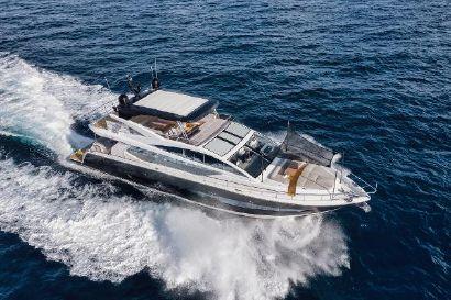 2022 80' Pearl-Yacht Dania Beach, FL, US