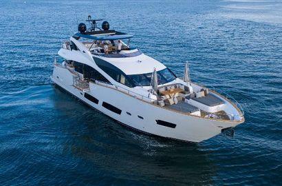 2015 92' 5'' Sunseeker-28 Metre Yacht Miami, FL, US