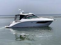 2019 Sea Ray 320 Sundancer