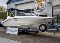 2021 Sea Ray SPX 210 Outboard White Beauty