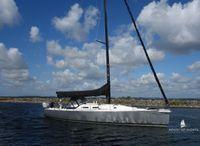 2006 J Boats 133
