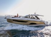 2022 Sealine S335 V