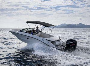 2021 Sea Ray SPX 210 Outboard