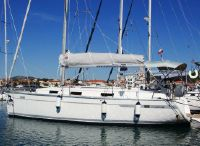 2011 Bavaria Cruiser 32