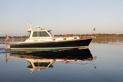 2003 43' Grand Banks-43 Eastbay HX Providence, RI, US