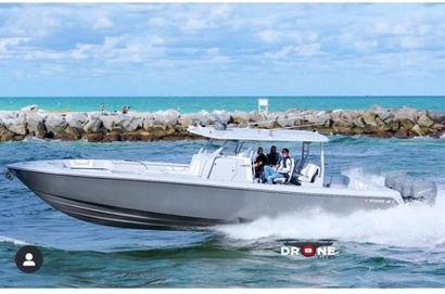 2022 44' Contender-44 CB Fort Lauderdale, FL, US