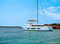 2022 Dufour 48 Catamaran