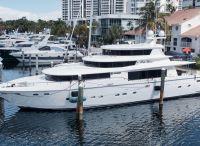 2006 Johnson Motor Yacht