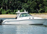 2013 Boston Whaler 345 Conquest