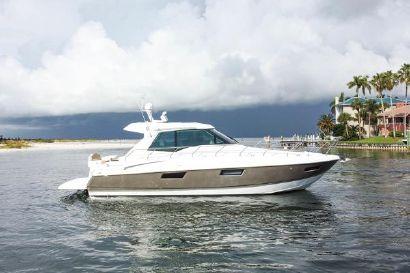 2016 48' Cruisers-48 CANTIUS Tierra Verde, FL, US