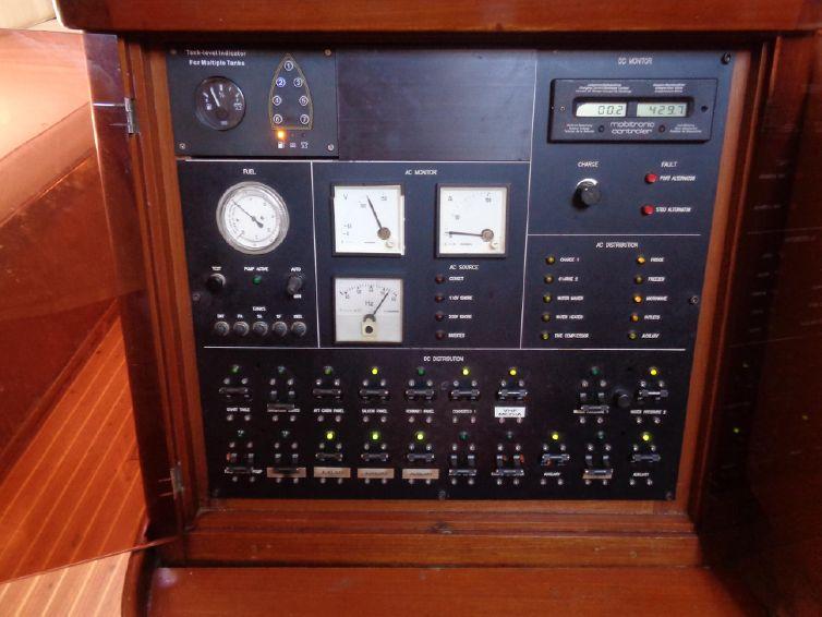 1975-79-sparkman-amp-stephens-79-sloop