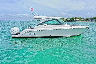 2021 34' Tiara Yachts-LX Coral Gables, FL, US
