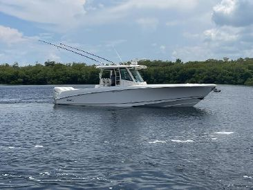 2016 35' Boston Whaler-OUTRAGE Fort Myers, FL, US