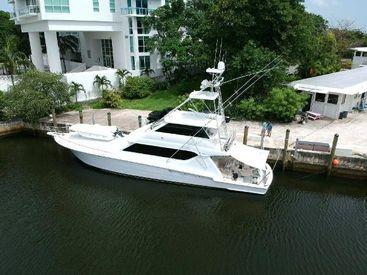 2002 70' 4'' Hatteras-70 Convertible Miami, FL, US