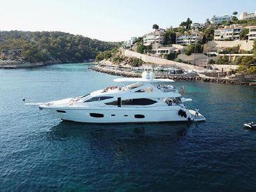 2011 88' Sunseeker-Flybridge Motor Yacht Vilamoura, PT