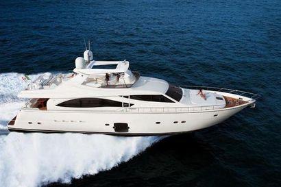 2009 83' Ferretti Yachts-830 TR