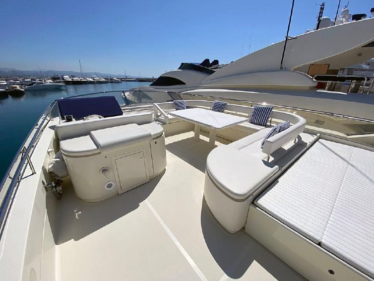 1997-78-8-ferretti-yachts-80
