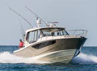 2022 Boston Whaler 405 Conquest