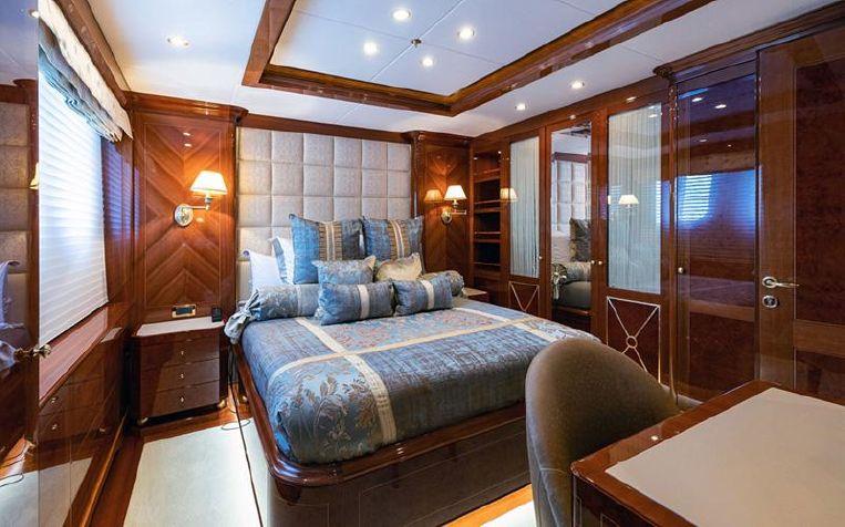 2016-177-2-benetti-54m-quot-karianna-quot-motor-yacht