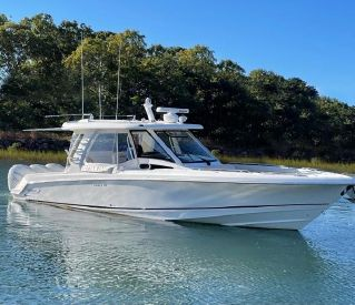 2019 35' Boston Whaler-350 Realm New Seabury, MA, US