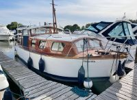 1960 Custom Gentleman's Thames Cruiser built by Richmond Slipways