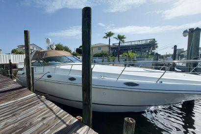 2001 46' Cruisers Yachts-4270 Express Destin, FL, US