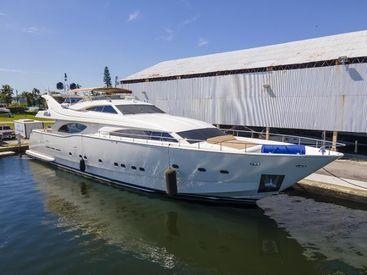 2000 94' Ferretti Yachts-Custom Line 94 Miami, FL, US