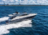 2022 Riviera 5400 Sport Yacht Platinum Edition