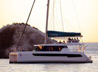 2022 Sunsail Lagoon 424