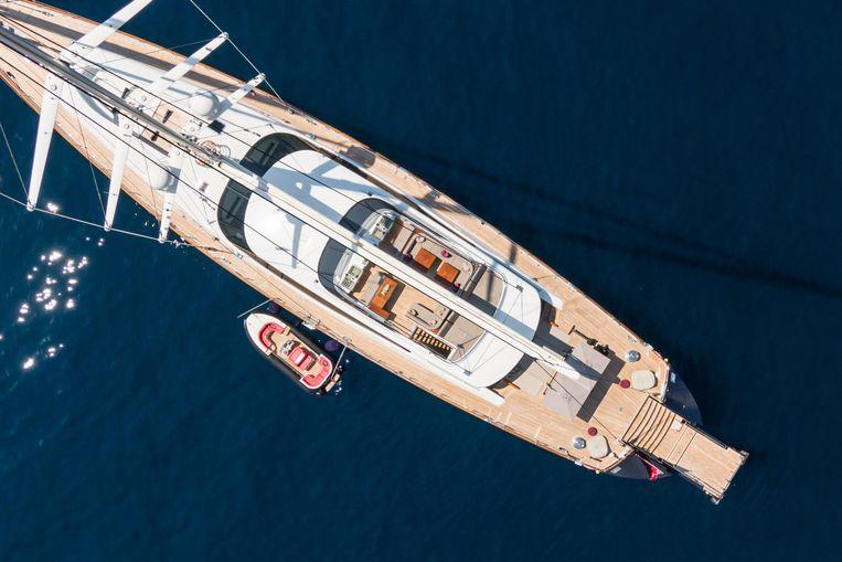 2006-169-7-alloy-yachts-prana