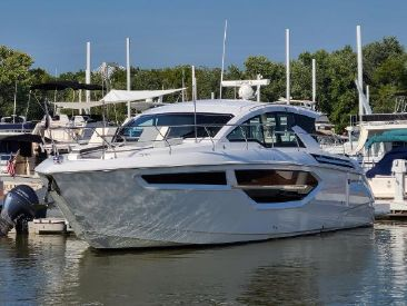 2021 42' Cruisers Yachts-42 Cantius Louisville, KY, US