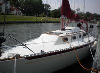 1981 Islander Sail