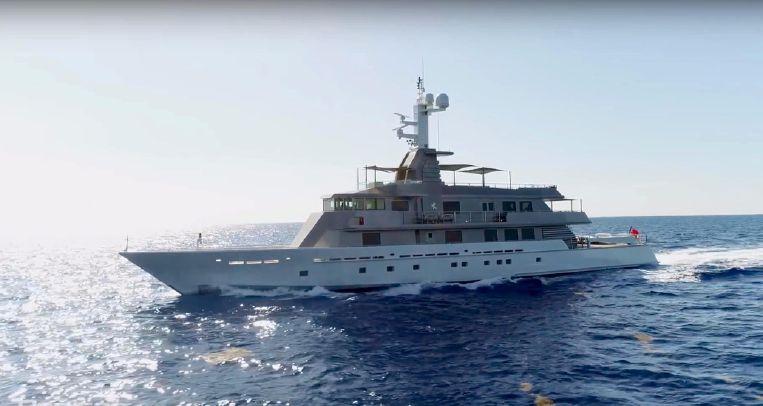 2004-174-oceanfast-custom-superyacht