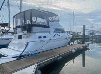 1999 Cruisers Yachts 3650 Motoryacht