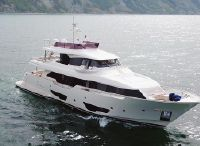2015 Custom Line Navetta 28