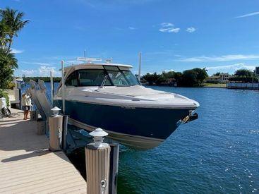 2019 34' Tiara Sport-34 LX Boca Raton, FL, US