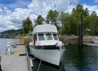 1980 Custom 36 Beaverglass Tri-Cabin
