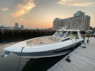 2020 42' Boston Whaler-420 Outrage Charlestown, MA, US