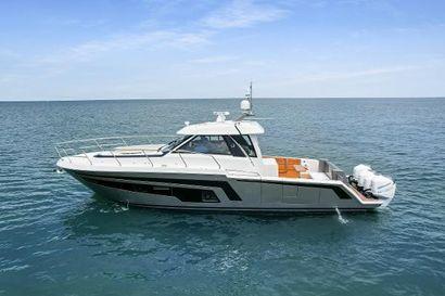 2021 45' Ocean Alexander-45 Divergence Coupe Naples, FL, US