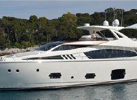 2013 Ferretti Yachts 800
