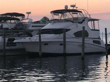 2003 39' Silverton-392 Motor Yacht Center Moriches, NY, US