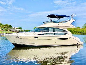 2011 40' Meridian-391 Sedan Sarasota, FL, US