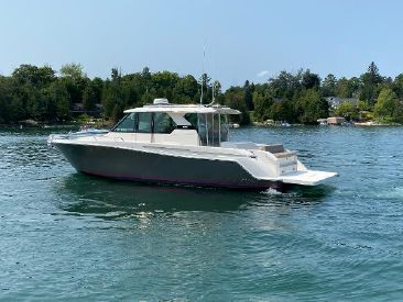 2016 44' Tiara Yachts-Q44 Detroit, MI, US